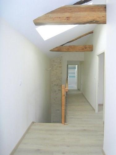 Location maison / villa Entre cognac et burie 917€ CC - Photo 5