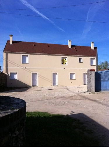 Location maison / villa Bu 606€ CC - Photo 1