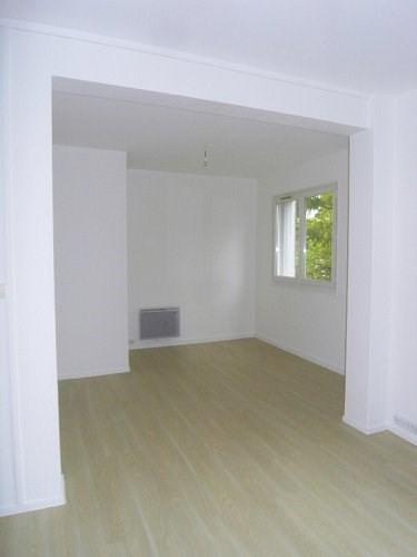 Rental apartment Cognac 450€ CC - Picture 3
