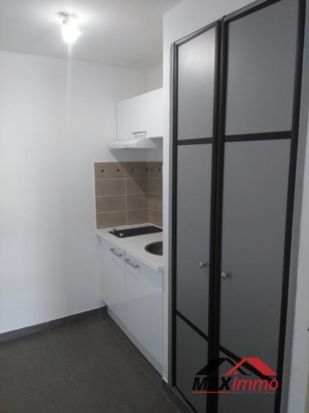 Location appartement St denis 493€ CC - Photo 4