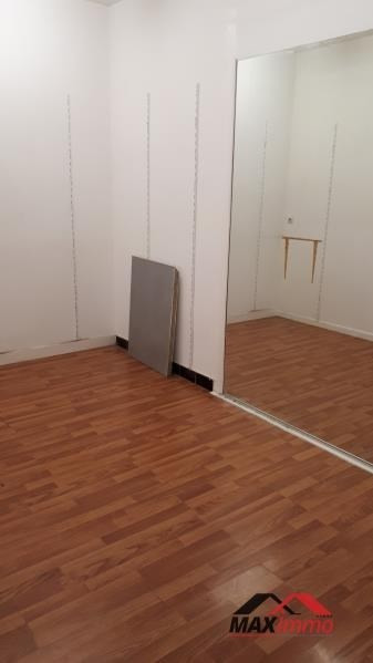 Location local commercial St pierre 2500€ HT/HC - Photo 2