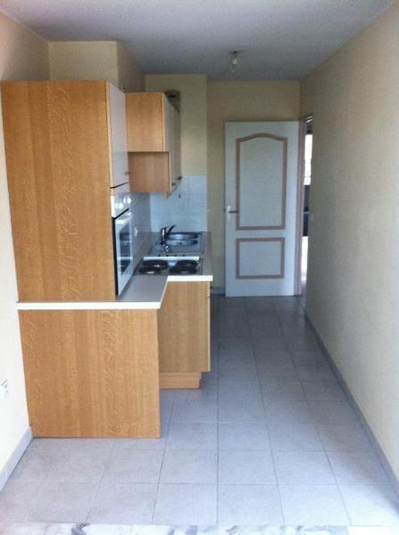 Rental apartment Aix en provence 1078€ CC - Picture 3