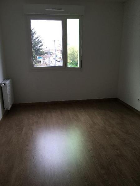 Location appartement Saint priest 713€ CC - Photo 6