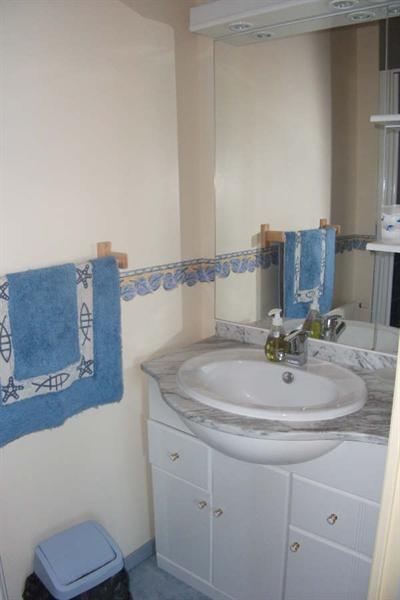 Sale house / villa Pont croix 94500€ - Picture 9