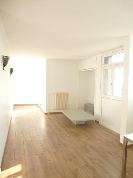 Location appartement Aix en provence 827€ CC - Photo 1
