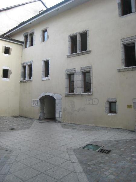 Location appartement La roche sur foron 465€ CC - Photo 1
