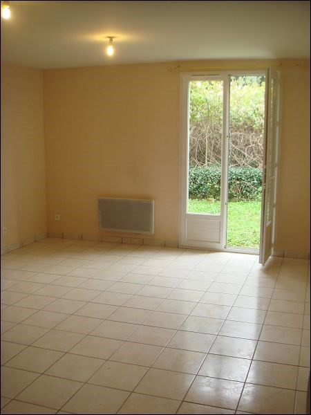 Rental house / villa Mennecy 891€ CC - Picture 2