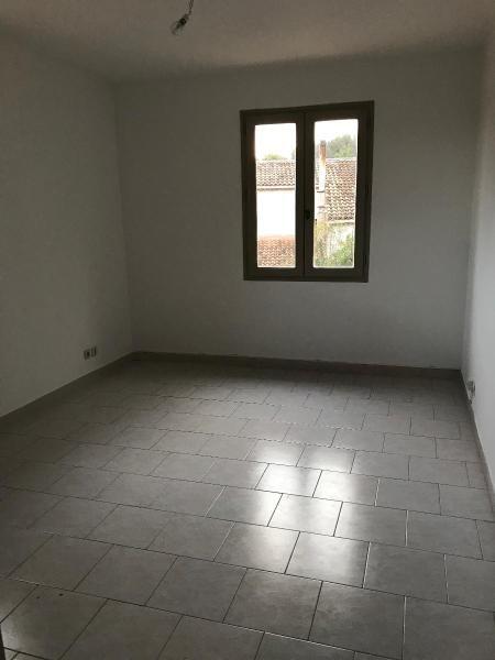 Location maison / villa Aix en provence 1350€ CC - Photo 2