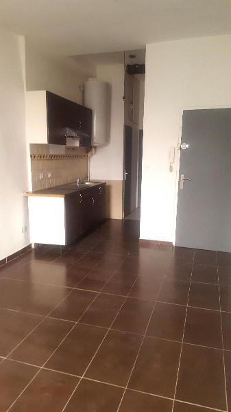 Location appartement Trets 450€ +CH - Photo 2