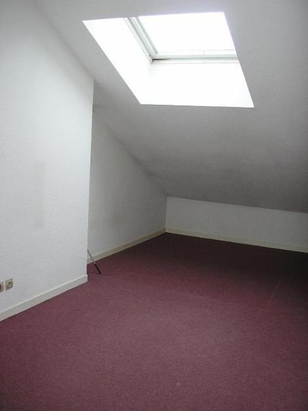 Location appartement Port 586€ CC - Photo 5