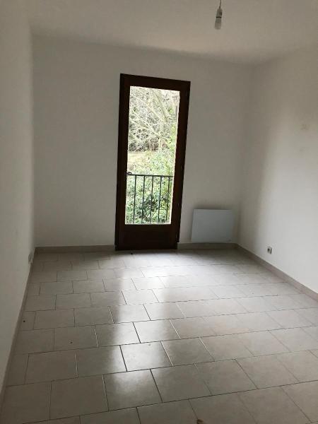 Location maison / villa Aix en provence 1350€ CC - Photo 3
