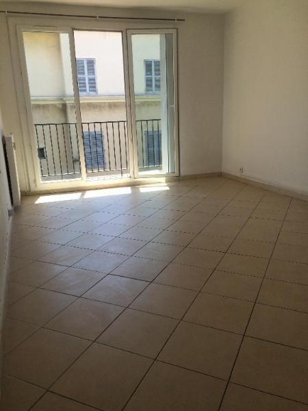 Location appartement Aix en provence 998€ CC - Photo 3