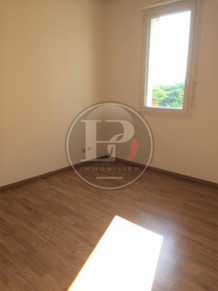 Rental apartment St germain en laye 930€ CC - Picture 3