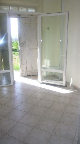 Location maison / villa Villasavary 630€ CC - Photo 9