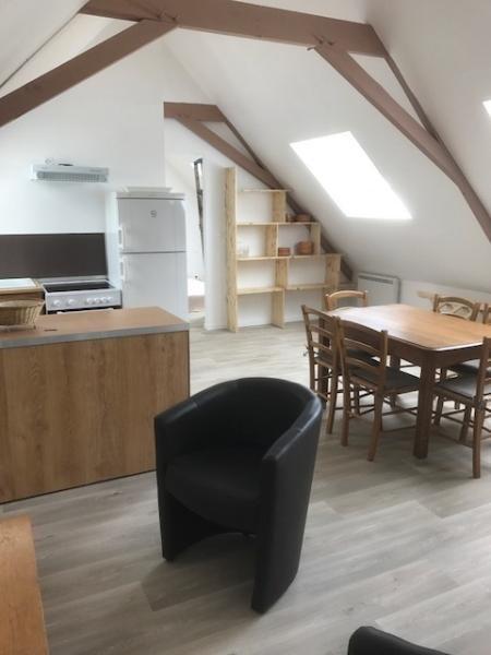 Location appartement Lederzelle 420€ CC - Photo 1