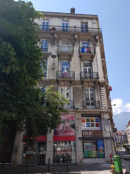 Location appartement Grenoble 850€ CC - Photo 9
