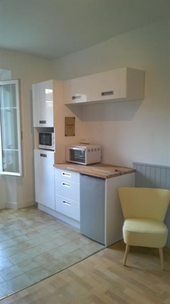 Location appartement Fontainebleau 1 020€ CC - Photo 3