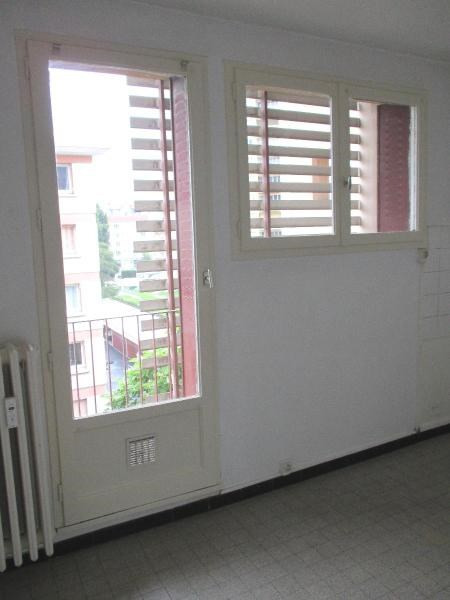 Location appartement Grenoble 730€ CC - Photo 3