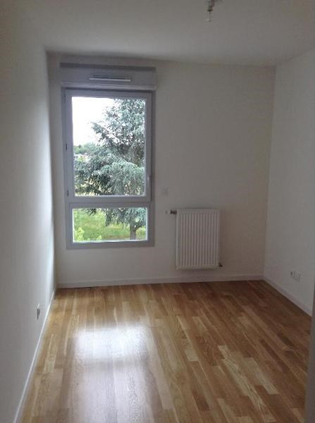 Rental apartment Bron 735€ CC - Picture 5