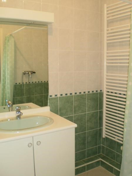 Location appartement Saint martin d heres 840€ CC - Photo 4