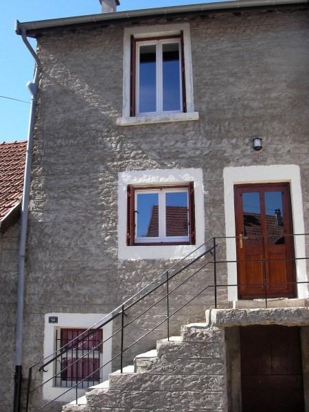 Rental house / villa Porcieu amblagnieu 435€ CC - Picture 1
