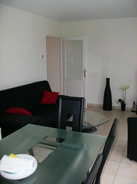 Location appartement Chevigny st sauveur 739€ CC - Photo 3