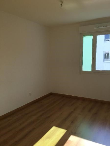 Location appartement Saint priest 710€ CC - Photo 4
