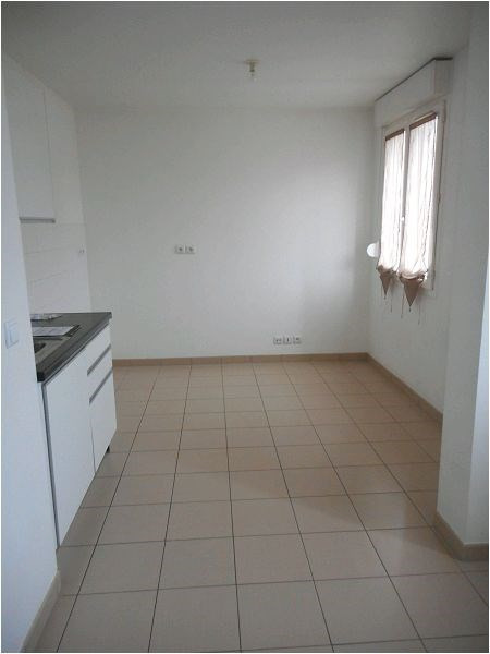 Rental apartment Viry chatillon 689€ CC - Picture 1