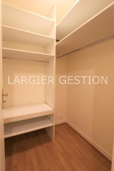 Location appartement Paris 8ème 1 850€ CC - Photo 7