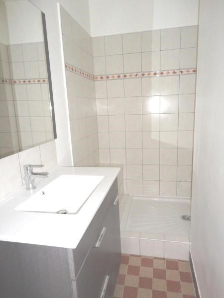 Location appartement Fontaine 585€ CC - Photo 6