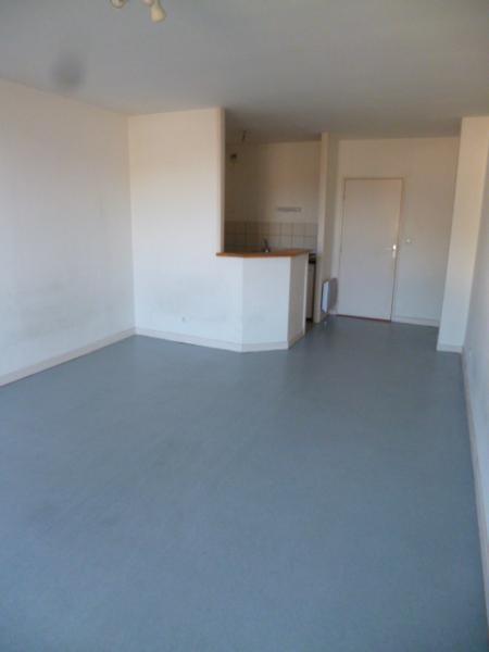 Location appartement Tarare 330€ CC - Photo 2