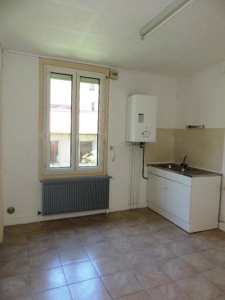 Location appartement Tarare 347€ CC - Photo 1
