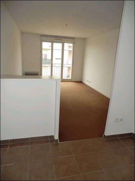 Location appartement Vigneux sur seine 690€ CC - Photo 3