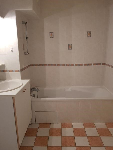 Location appartement Goncelin 786€ CC - Photo 9