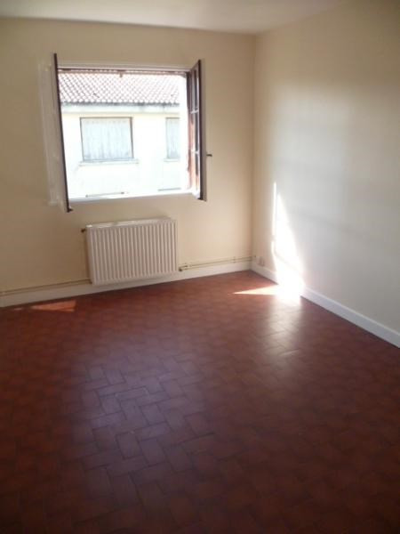 Location maison / villa Pauillac 470€ CC - Photo 3