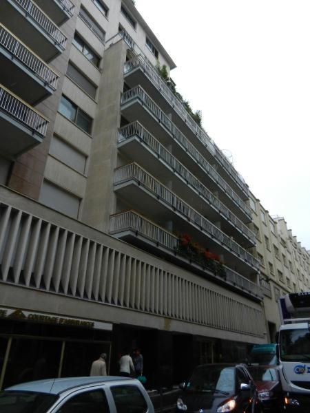 Location appartement Paris 16ème 628€ CC - Photo 6