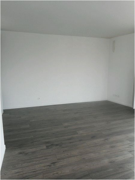 Rental apartment Athis mons 852€ CC - Picture 1