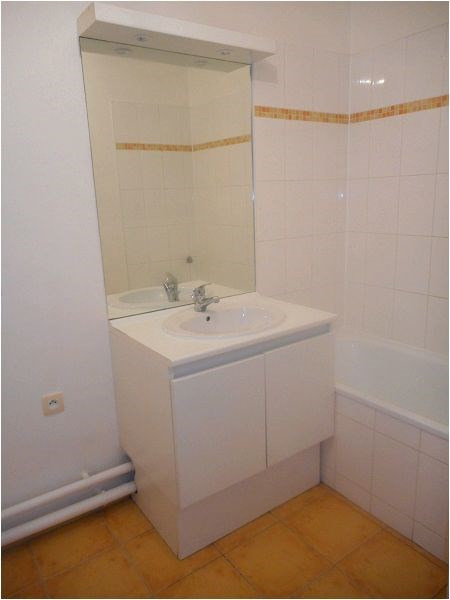 Rental apartment Athis mons 852€ CC - Picture 3