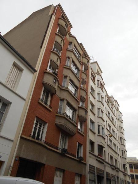 Location appartement Paris 15ème 1145€cc - Photo 8