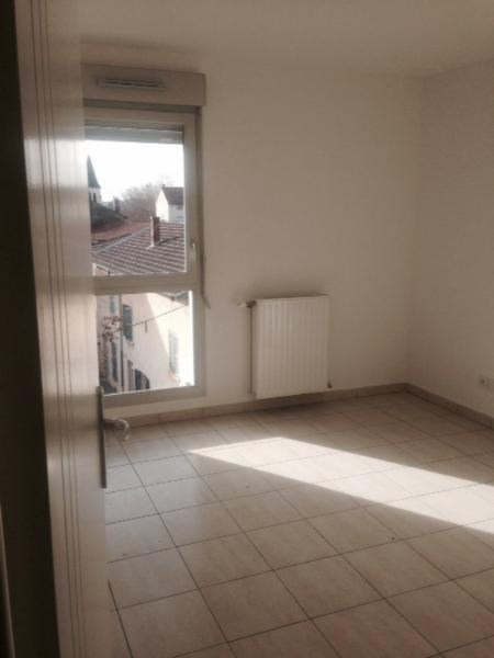 Rental apartment Saint fons 689€ CC - Picture 1