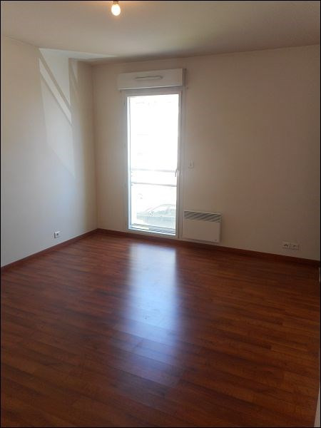 Location appartement Savigny sur orge 922€ CC - Photo 2