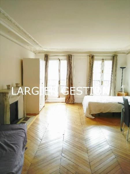 Location appartement Paris 8ème 1 350€ CC - Photo 1