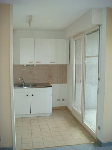 Location appartement Grenoble 548€cc - Photo 2