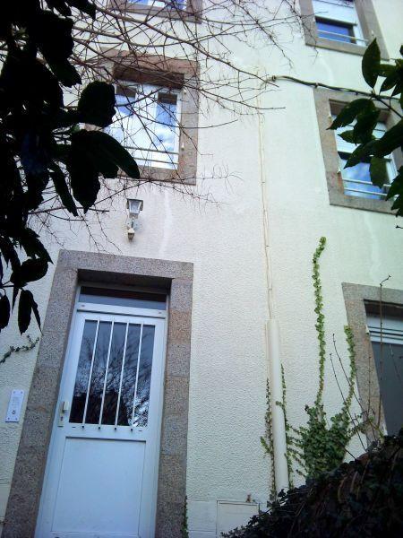 Sale building Brest 243800€ - Picture 1