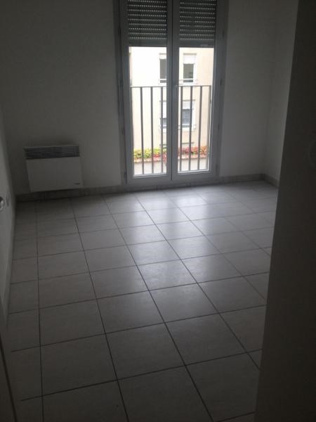 Rental apartment Villeurbanne 871€ CC - Picture 2