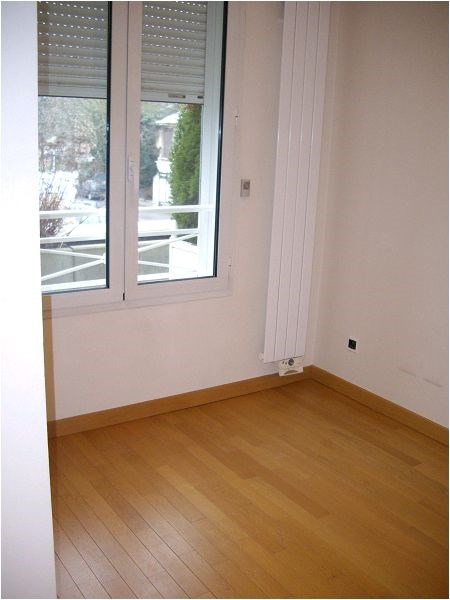 Rental apartment Crosne 930€ CC - Picture 3