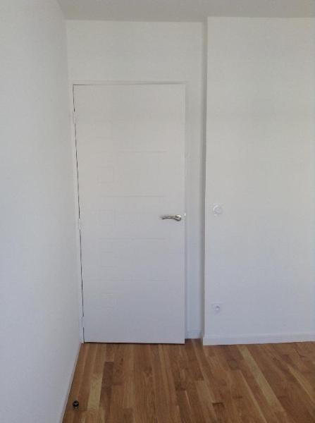 Location appartement Bron 748€ CC - Photo 3
