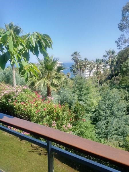 Sale apartment Golfe juan 340 000€ - Picture 2