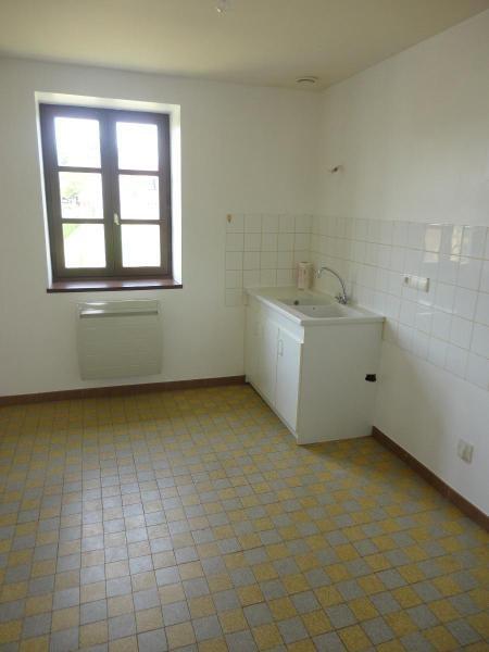 Location maison / villa Nuelles 730€ CC - Photo 3