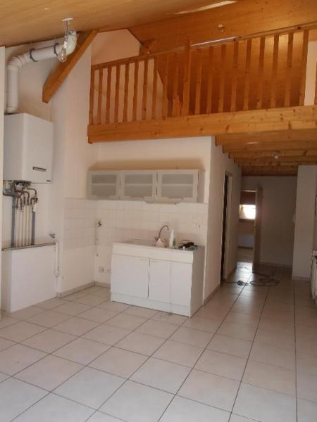 Location appartement Oyonnax 501€ CC - Photo 1